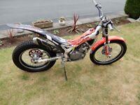 Beta rev 250 4t trials bike