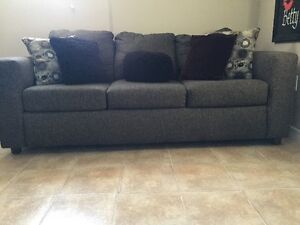 @MOVING SALE - HIGH QUALITY COUCH AND SOLID OAK DINING ROOM SET@