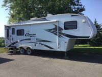 2006 Cougar 276EFS half tonne towable