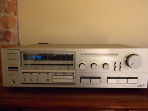 SELLING A USED KENWOOD MODEL KR-850 AM/FM RECEIVER
