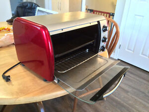 "Emerson Toaster Oven 12"" deep - great for quick Pizzas"