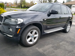 BMW X5 3.0L FULLY LOADED REAR ENT NAV BACKUP CAM 7 SEATER LOW KM