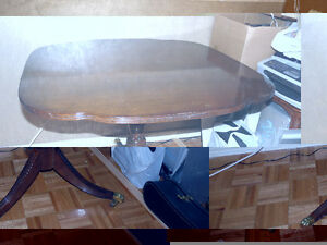 TABLE ANTIQUE -BOIS VERITABLE West Island Greater Montréal image 1