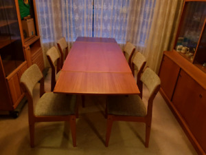 Beautiful Teak Dining Set