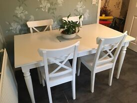 White Country Chic Style Dining Table and Chairs
