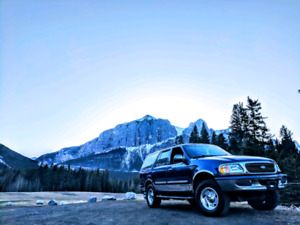 Clean Ford Expedition Xlt (Trades for Motorhome)