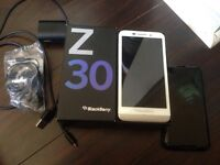 BlackBerry Z30 WHITE. Mint 10/10. Unlocked and Wind compatible