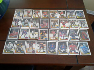 O-Pee-Chee 1987-88 Lot de 32 cartes incluant Gretzky