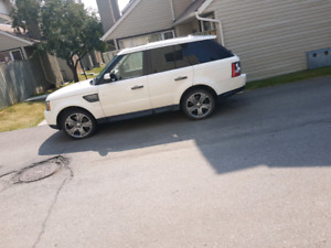 2010 range rover supercharged with low km