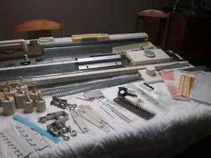 155 singer  chunky knitting machine