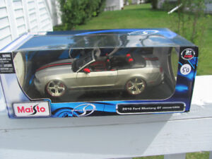 2010 Mustang GT Convertible Diecast New In Box 1:18 Toy Car