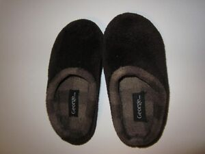 George Brown Boys Slippers Size 11-12 Never Worn