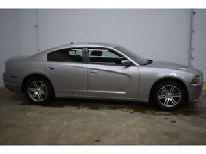2014 Dodge Charger SXT- UCONNECT * HEATED SEATS * REMOTE START