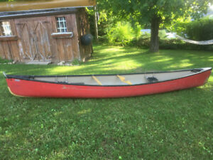 Swift Dumoine ABS canoe