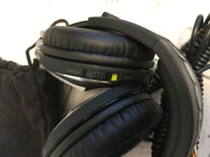 BRAND NEW-Pioneer Professional DJ  HDJ2000 Headphone