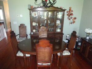 Beautiful Solid Mahogany Dining Set