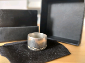 Diana Porter Silver 'on and on' Ring with 22ct Gold Etch