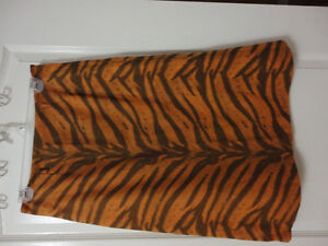 Women's animal print pencil skirt Size 8 New with tags London Ontario image 1