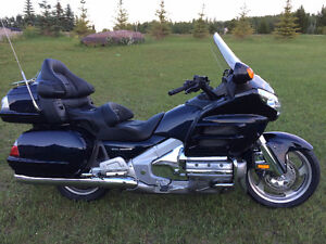 2009 Gold Wing Loaded Low kms