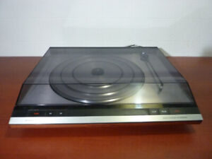 Turntable / table tournante Bang & Olufsen Beogram 2404