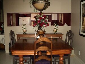 Antique Dining Table Cambridge Kitchener Area image 1