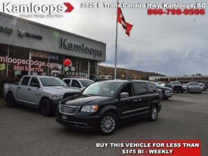 2014 Chrysler Town  Country Limited  - Sunroof