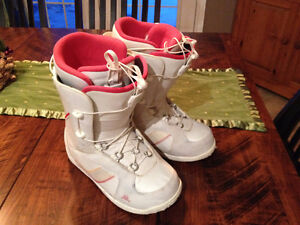 Womens snow board boots - Size 8