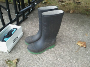 Kids Rubber Boots size 12.