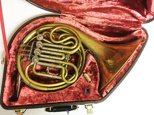 Yamaha YHR667V Dbl. French Horn Outfit