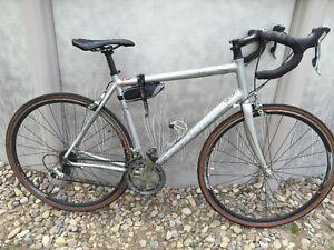 Vélo de route specialized