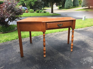 Kroehler Solid Maple Corner Desk