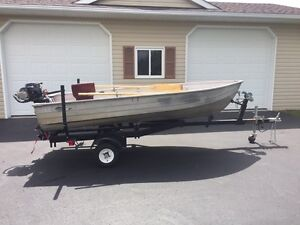 12 foot aluminum Mirrocraft boat and motor!