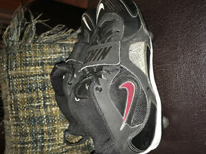Nike football cleat size 8.5.