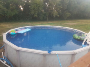 Above ground pool 24ft