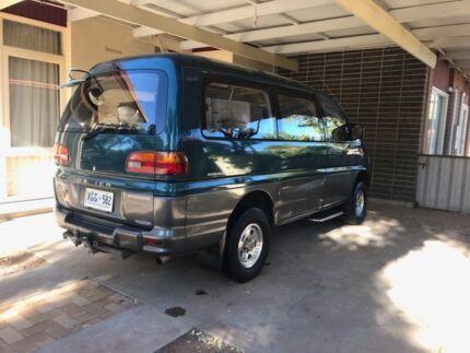 Mitsubishi delica 2800 turbo diesel