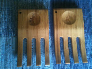 Bamboo Salad Server 'Hands""