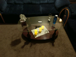 """Coffee Table (or best offer) and TV LG 52"""""""