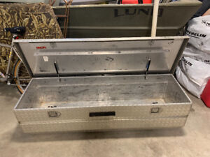 Truck storage unit