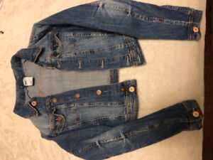 Women's clothing (size small)