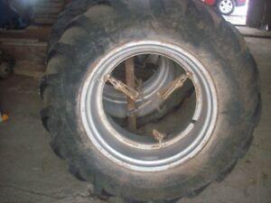 Roue Double pour tracteur de ferme 14.9 x 28 Unverferth