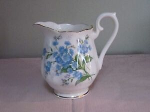 ROYAL ALBERT FORGET-ME-NOT CHINA FOR SALE!