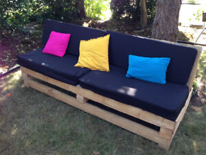 Pallet furniture - lounger and tables outdoor wedding