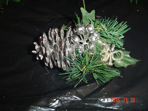 LARGE SELECTIONS OF PINE CONE PIC ACCENTS FOR DECORATING/CRAFTS Windsor Region Ontario image 5