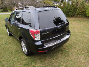 2010 Subaru Forester Limited * CERT & ETESTED*