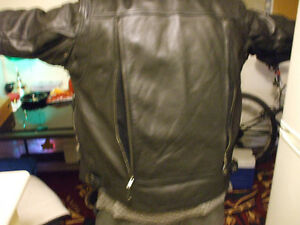 Never worn XXL leather motorcycle jacket Stratford Kitchener Area image 8