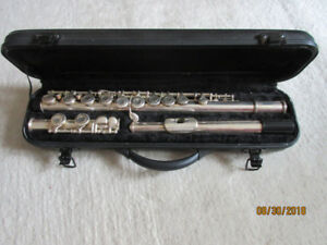Hawk brand Silver plated Flute with new pads and Case