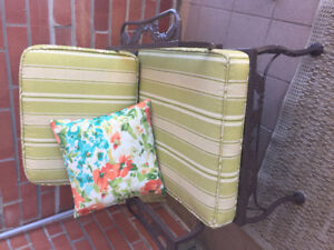 Hauser patio set with cushion