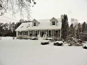 Amazing Family Home Just Outside Of Amherst!!