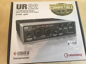 UR22 2x2 usb audio interface complete in box