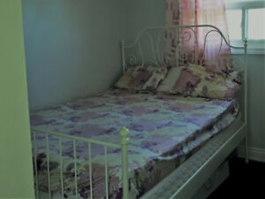 Queenbed with orthopedic mattress and box